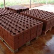 производство кирпича Лего