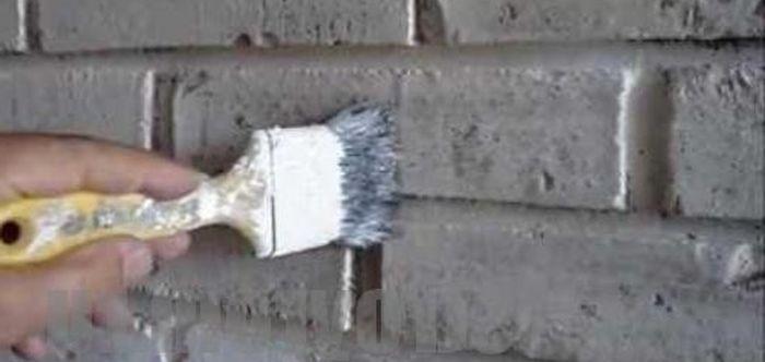 как красить кирпичную стену